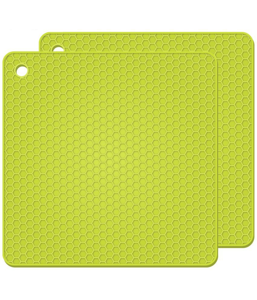 Square Silicone Hot Pads, Heat Insulation Table Mats For Family Use Silicone Pot Holders-Green(Pack Of 2 )