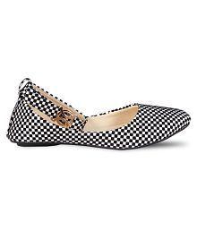 Vaniya shoes White Ballerinas