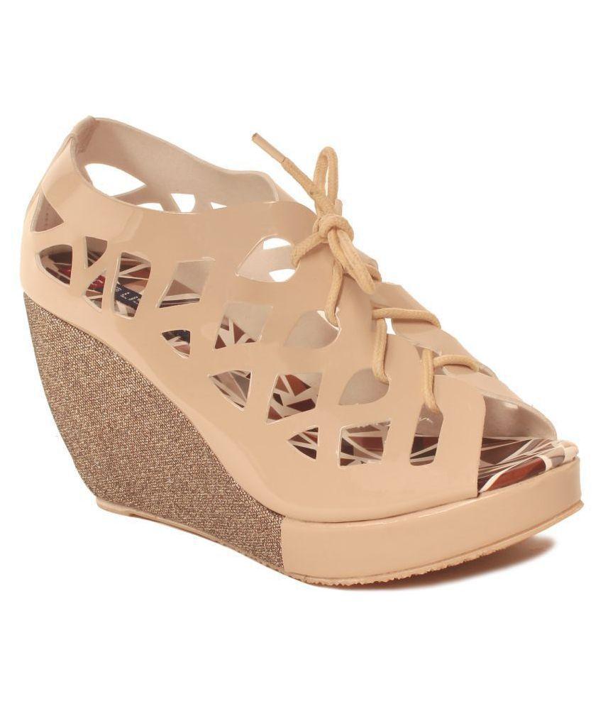 MSC Cream Wedges Heels
