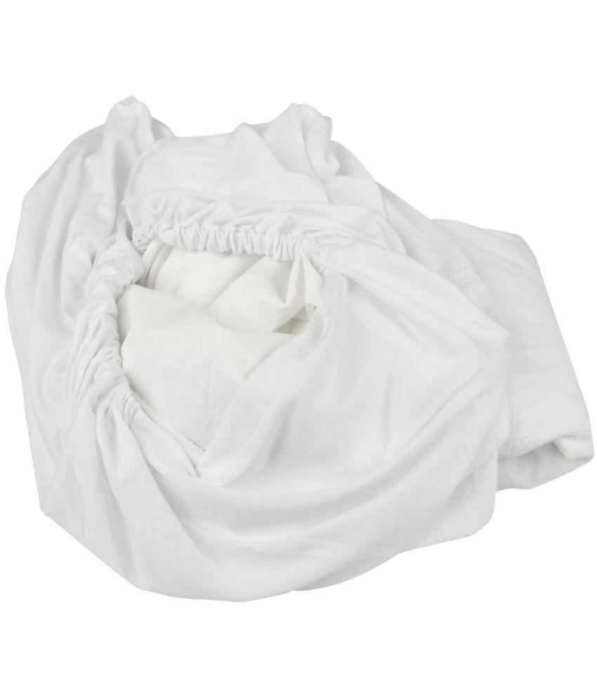 Just Linen Just Linen 150 TC Queen SizeMattress Protector White Polyester Mattress Protector