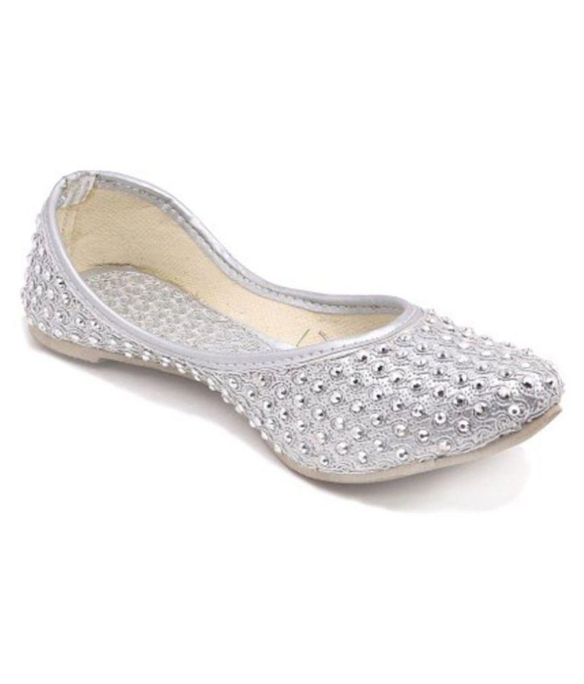 ROYAAL Silver Ethnic Footwear