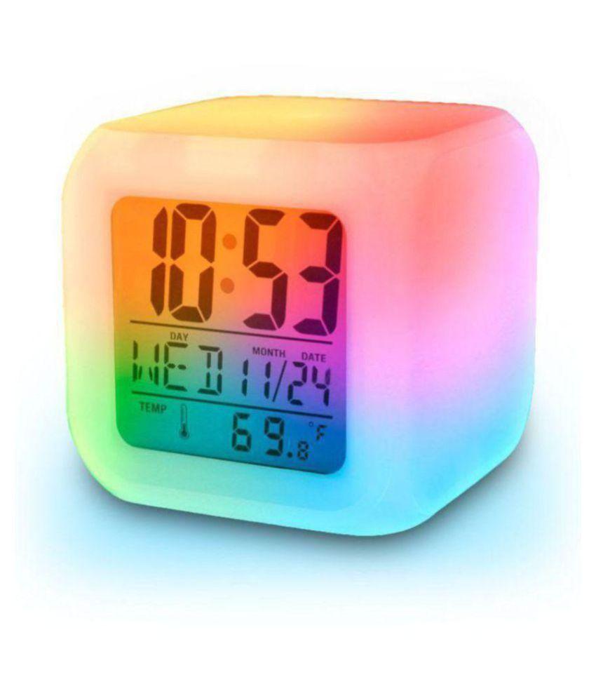 Paavi Digital colour changing clock