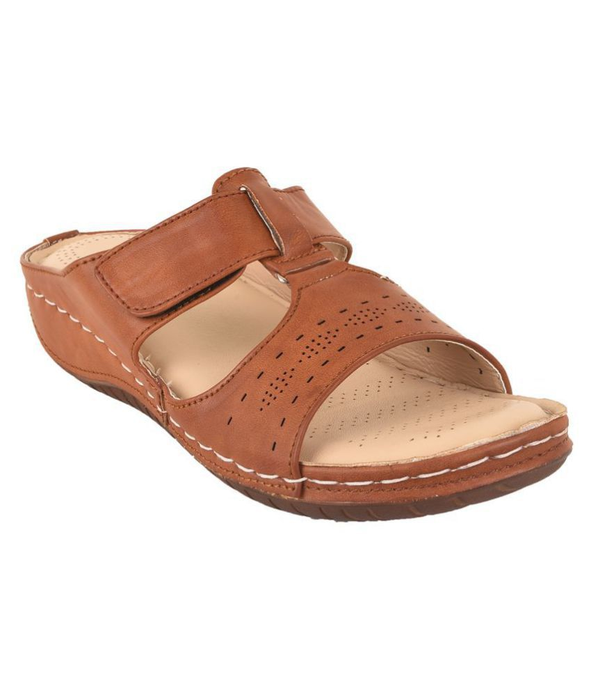 Shoeholic Brown Slippers