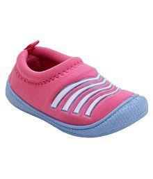 4451b1839997 Girls  Shoes   Upto 50% OFF  Buy Girls Shoes