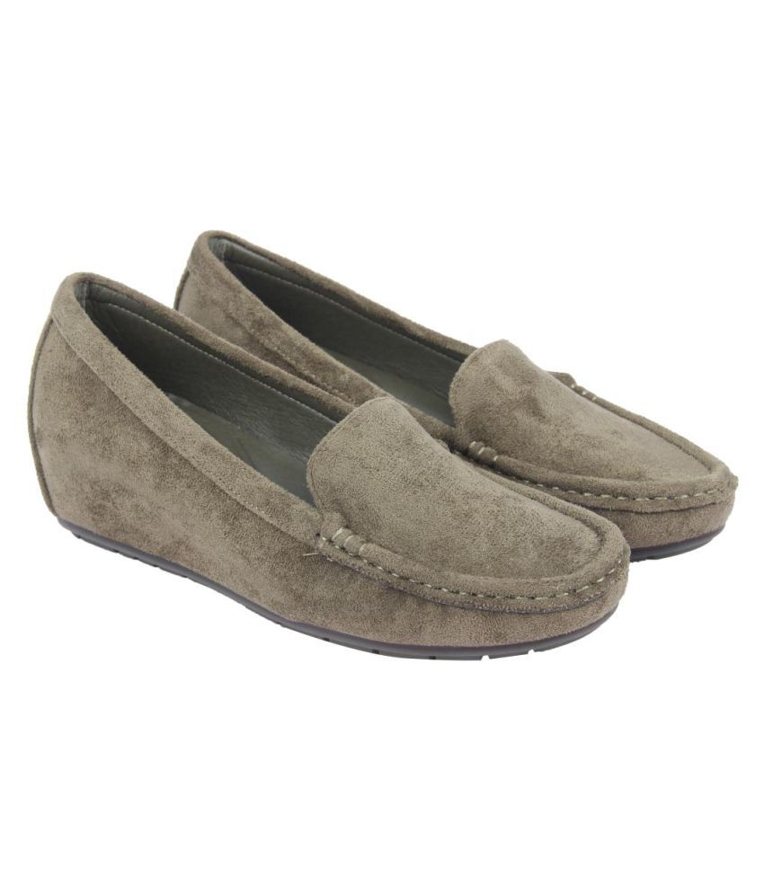 Flat N Heels Green Casual Shoes