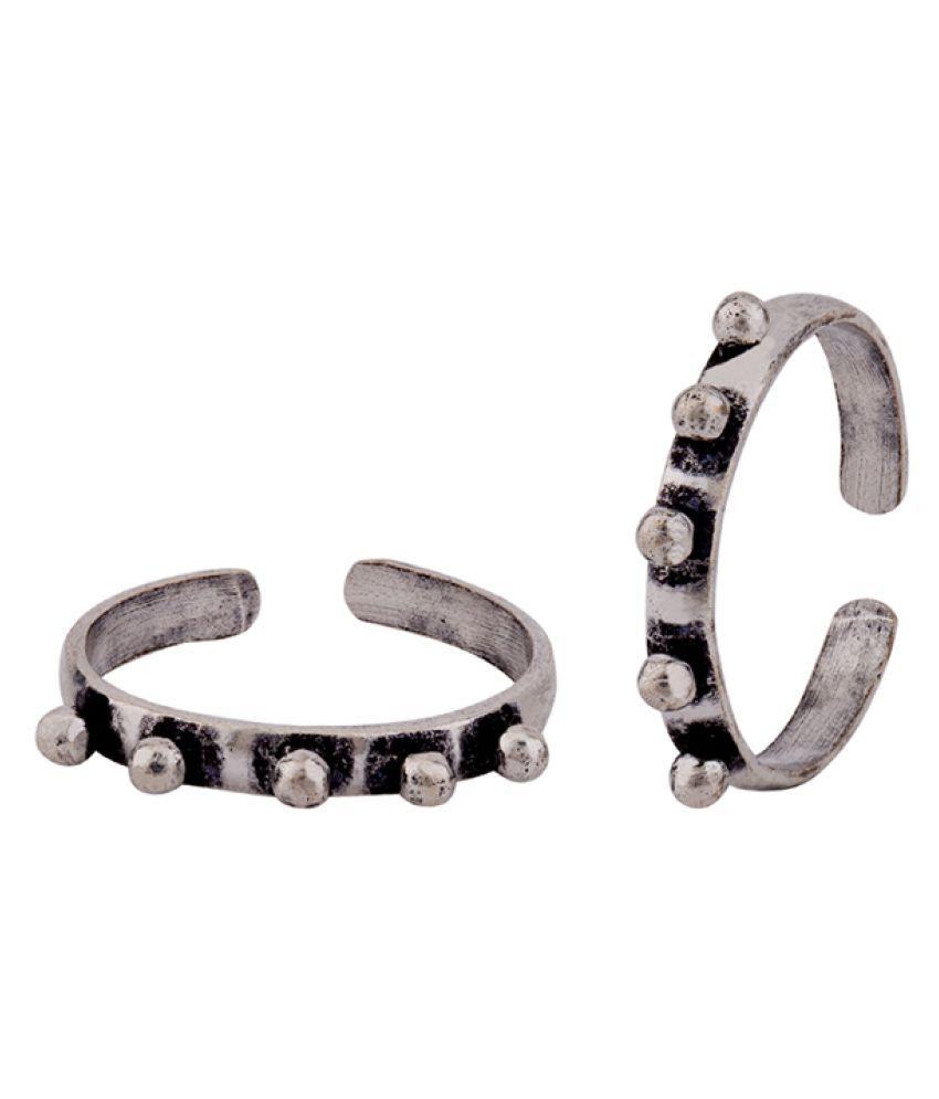 Voylla Tribal Inspired Brass Toe Rings