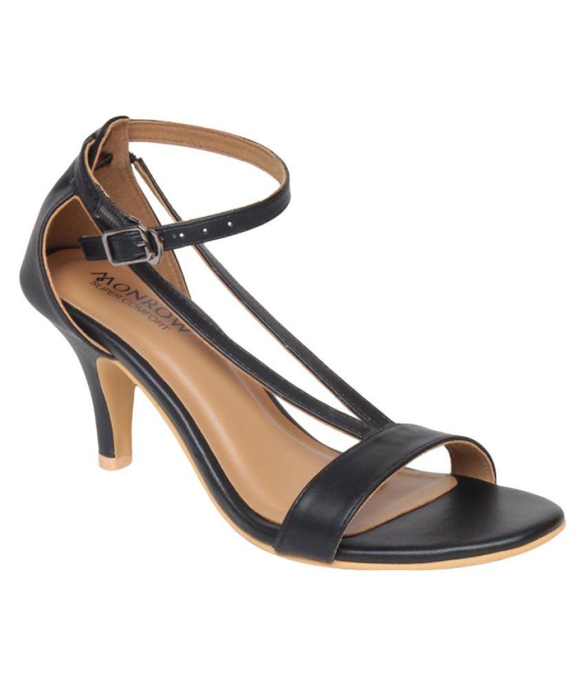 Monrow Black Kitten Heels
