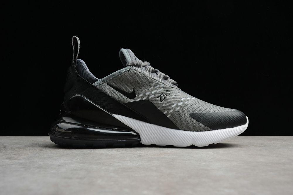 Nike Air Max 270. Grey Running Shoes
