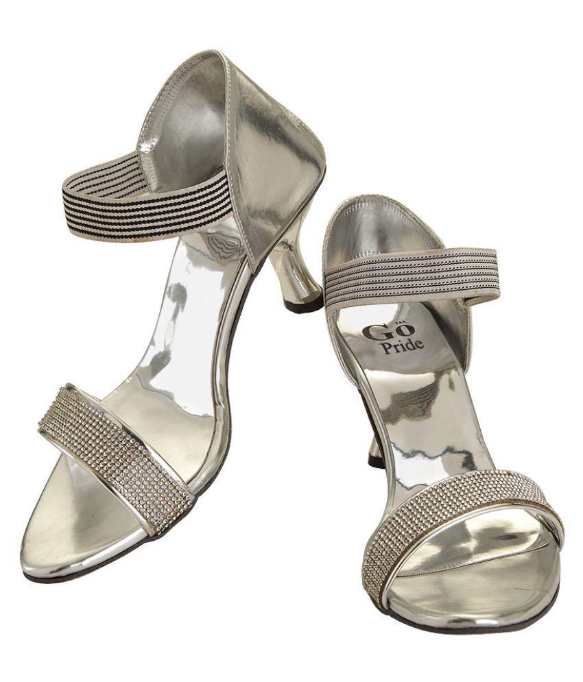 GO PRIDE Silver Kitten Heels