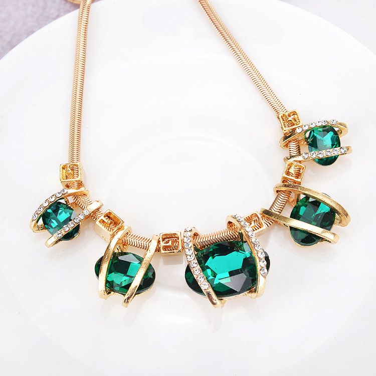 Kamalife Fashion Personality Exquisite Oval Crystal Diamond Necklace Female Clavicle Chain Jewelry For Women Populer