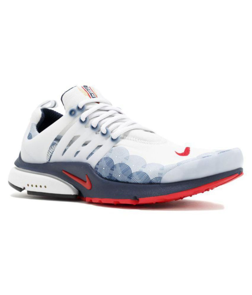 5c6c8c138b97 Nike White Running Shoes - Buy Nike White Running Shoes Online at Best  Prices in India on Snapdeal