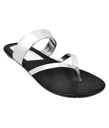 f18990f8093c Women s Sandals Upto 70% OFF  Buy Women s Sandals   Flat Slip-on ...