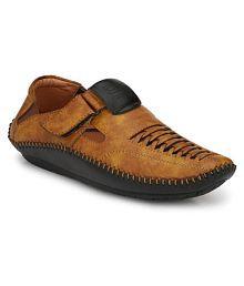 f9ff10b4d3c9 Mens Sandals   Floaters  Buy Sandals   Floaters For Men Online at ...