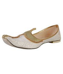 7284299ea Ethnic Footwear  Buy Ethnic Shoes and Footwear for Mens at Best ...