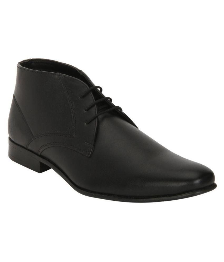 Bond Street Black Chukka boot
