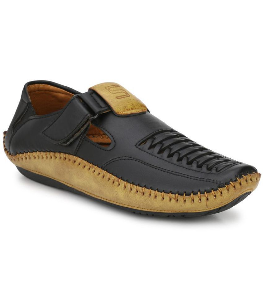 Leeport Black Synthetic Leather Sandals