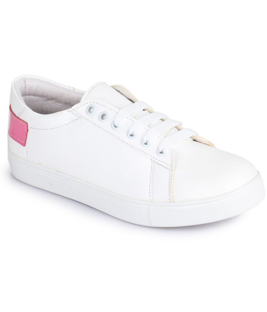 Picktoes White Casual Shoes