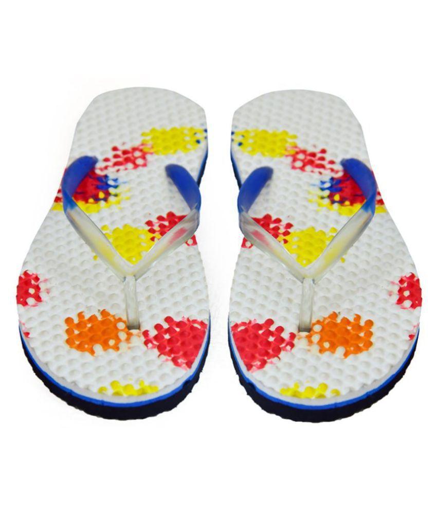 SOCCER FOOTWEAR White Slippers