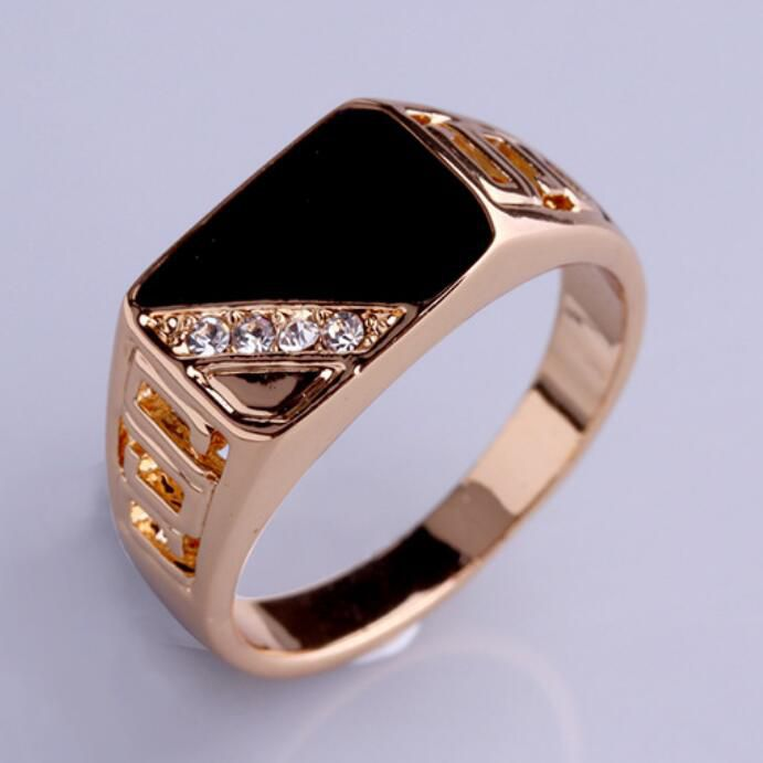 1 Pc Golden Color Color Ring With Black Stone & White Crystals Fashion Jewellery