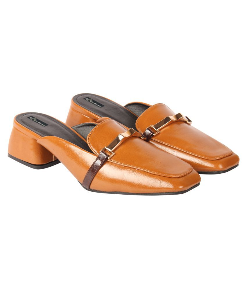 D SHOE LOUNGE Brown Casual Shoes