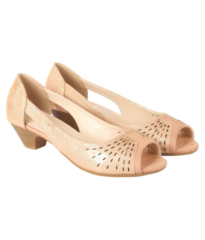 D SHOE LOUNGE Pink Block Heels