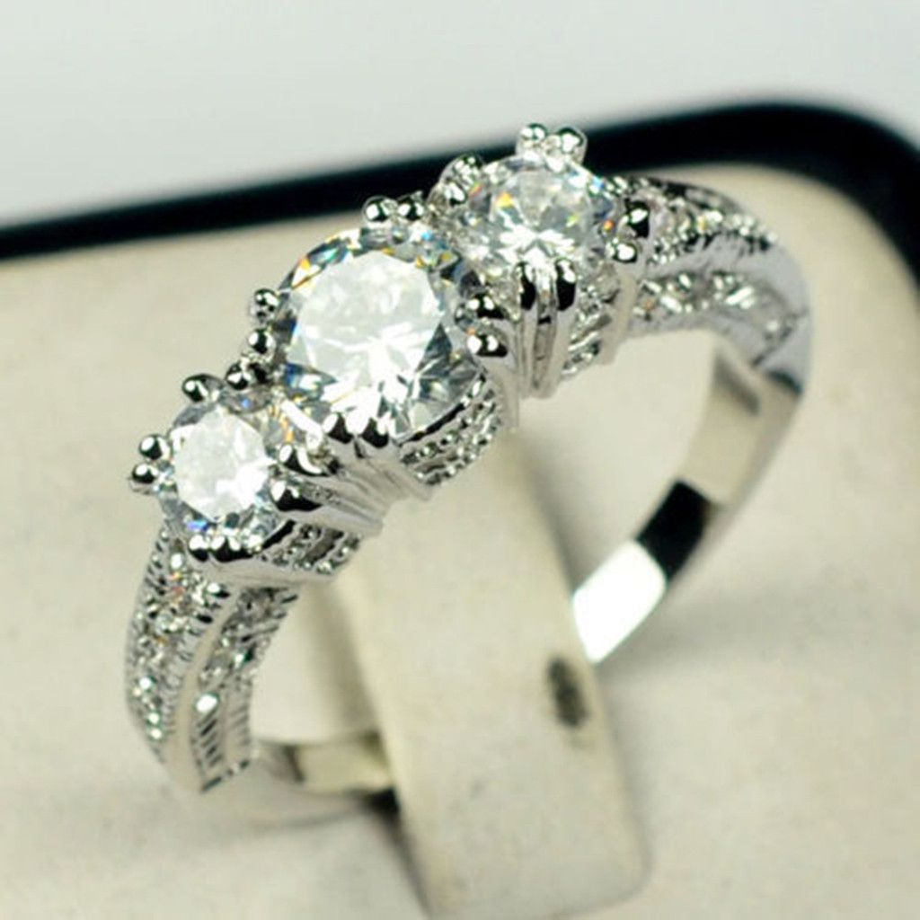 Fashion Trend Inlaid Zircon Silver Color Three Diamond Ring Ladies Jewelry Fashion Jewellery
