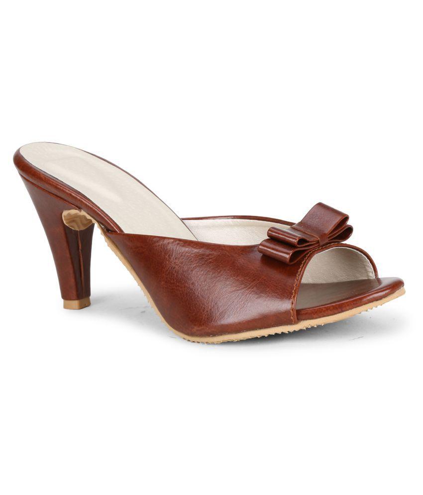MISTO Maroon Cone Heels