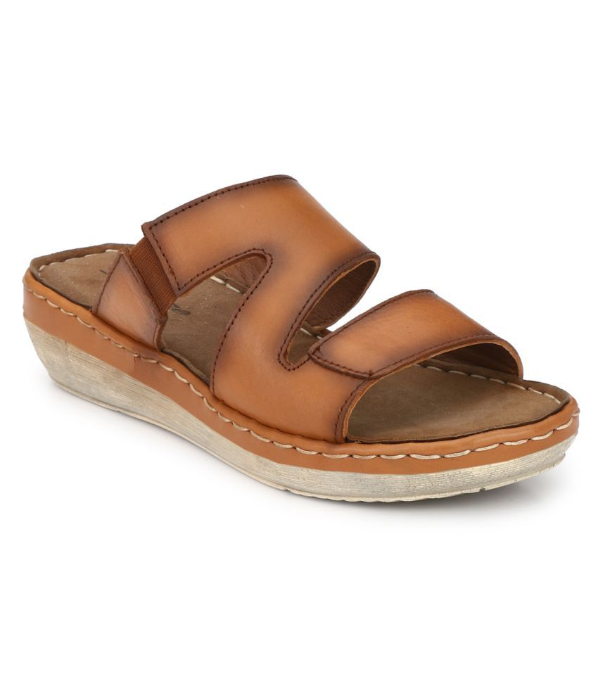 Delize Tan Slippers