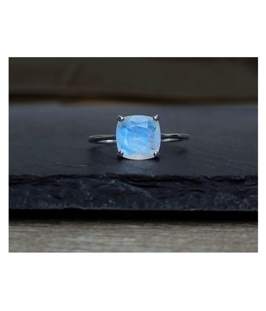7.5 carat pure MOONSTONE  silver Ring for women by Kundli Gems \n