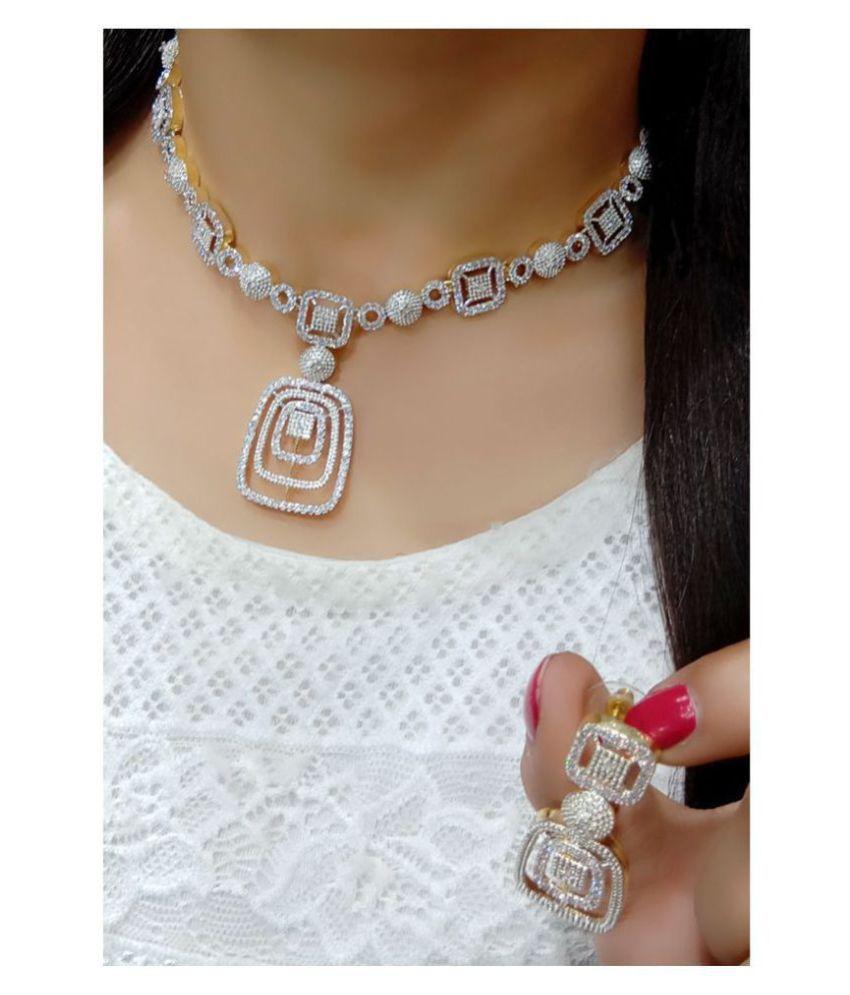Ladymania Alloy Golden Contemporary/Fashion Necklaces Set