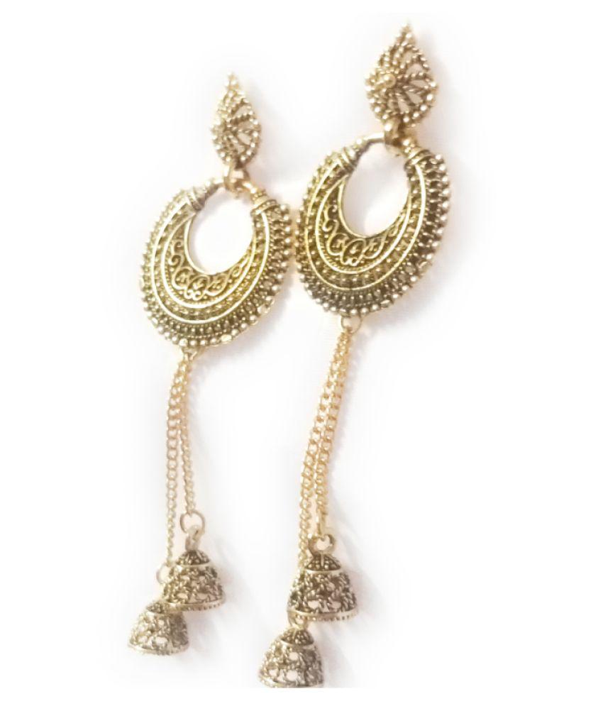 divyam present a pair earrings