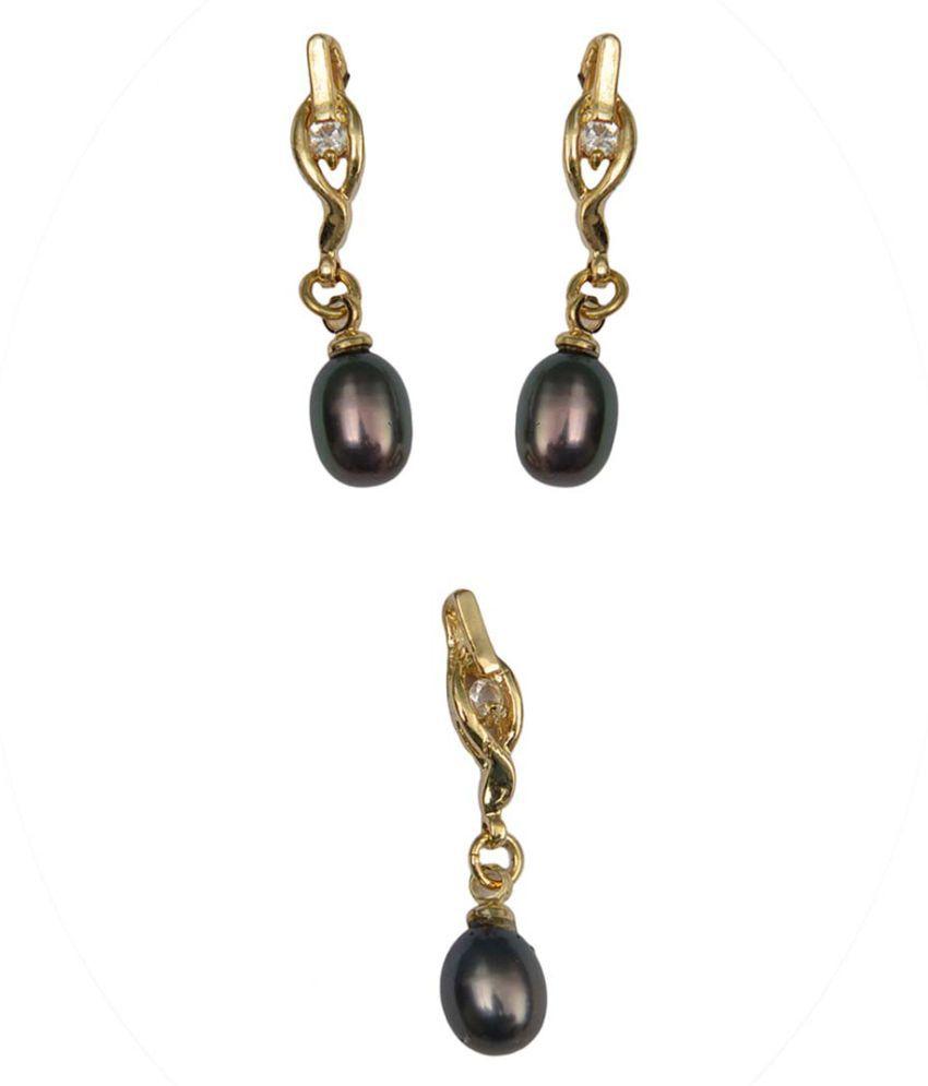 Taj Pearl Gold Pearls Pendant With Chain